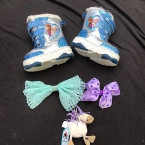 Disney Frozen Snow Boots w/ free gifts